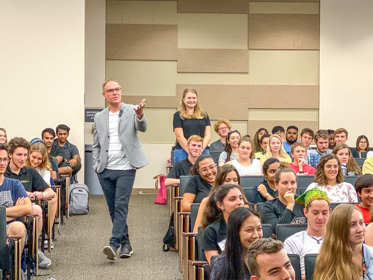 Gary speaking to students in summer experience entrepreneurship